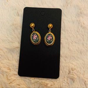 Avon floral dangle vintage rose earrings